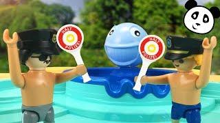 ⭕ PLAYMOBIL Polizei - Polizei Ausflug ins Schwimmbad - Pandido TV
