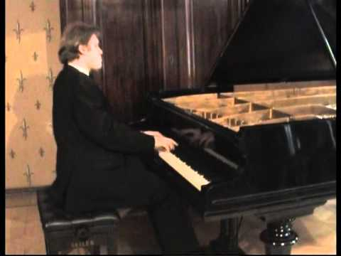 Alexey Chernov Performs Scriabin Impromptu Op.14 No.2 / Алексей Чернов - Скрябин