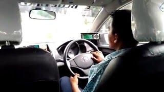 Supir taxi galau di Uber Gojek dan Grab Car