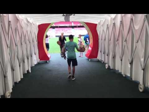 Der queere Jugendtreff Sunrise - ein Portrait von YouTube · Dauer:  4 Minuten 55 Sekunden