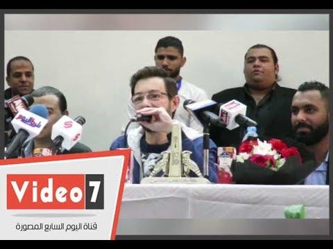 أحمد زاهر عن -خلع ملابسه- بفيلم عادل امام  .. كنت حاسس ببرد شوية  - 19:21-2017 / 11 / 15