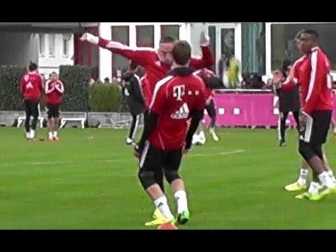 Funny - Franck Ribery Roundhouse Kick vs Mario Götze - Müller Alaba - FC Bayern Munich