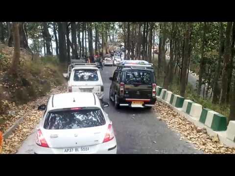 LIVE!Accident at peshoke road dajeeling