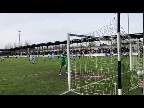 Noble scores a superb curler for Dartford V Bath City