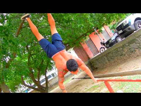 BAR BROTHERS RIO - Street Workout With Brothers (Part 1)