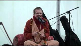 24 Hour Hare Krishna Kirtan - Sacinandana Swami - Kirtan Fiesta 2010
