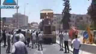 Images choc: des policiers abattent le terroriste de Jérusal