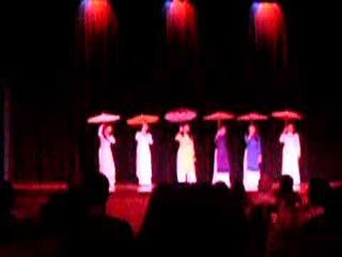 UNC Viet Night - Umbrella Dance