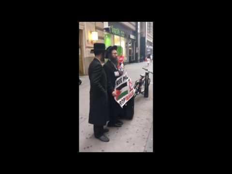 Chassidish Yungerman Deals With Neturei Karta In Manhattan Mp3