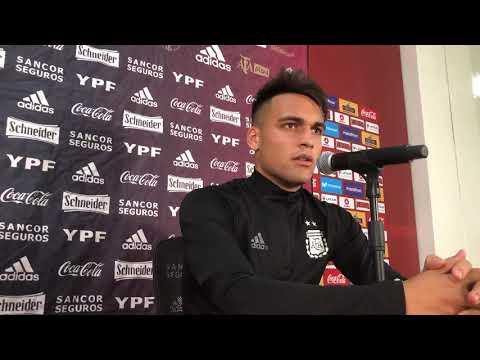#SelecciónMayor Lautaro Martínez conversó con la prensa luego del triunfo 2-0 vs Perú en Lima.