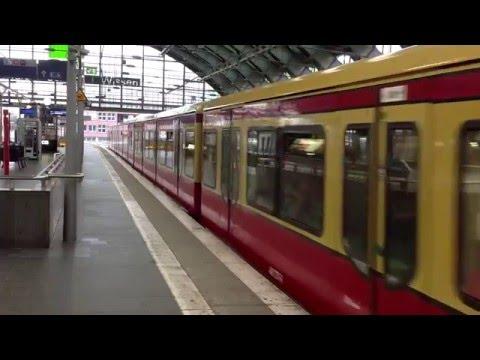 Sound of Berlin s-bahn train when departure