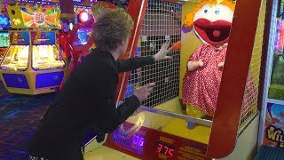 Game | PLAYING WEIRD ARCADE GAMES!! | PLAYING WEIRD ARCADE GAMES!!