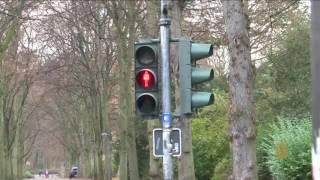 ابتكار ألماني لسلامة المشاة المشغولين بهواتفهم الذكية