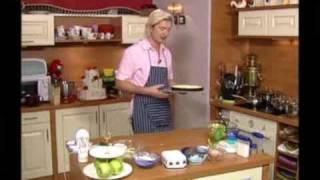 Эльзасский яблочный пирог(Видео-рецепт от Александра Селезнева., 2009-11-02T13:53:46.000Z)