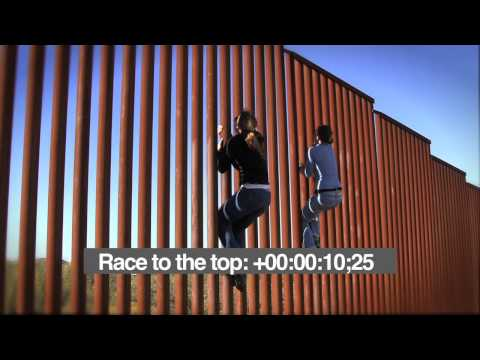 Race To The Top - 2 American women climb US-Mexico border fence in less than 18 seconds