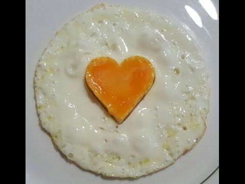 Como hacer un huevo frito con forma de corazón