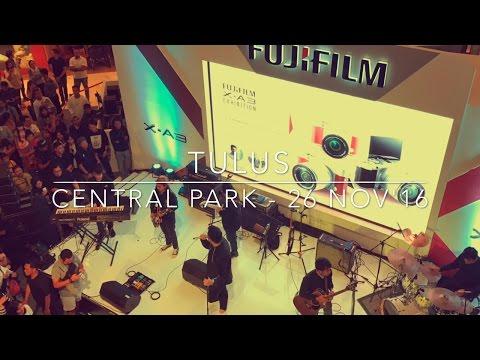 Tulus - Live at Fujifilm XA-3 Launching at Central Park Mall, Jakarta - 26 Nov'16