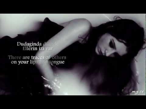 Sezen Aksu - Seni Kimler Aldı [English/Turkish Lyrics] (Who has taken you)