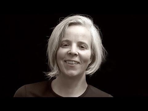 Zeidler Faces - Betty Schiel  über Bienenkisten und Bienen im Herzen der Bäume