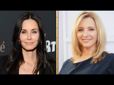 Download Youtube: 'Friends' Forever! Lisa Kudrow and Courteney Cox Reunite For Dinner in Los Angeles
