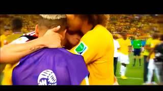 Anda Akan tahu sepak bola bukan hanya sekedar olahraga setelah melihat video ini....
