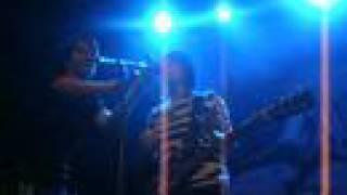 tegan and sara - cologne banter / band intro