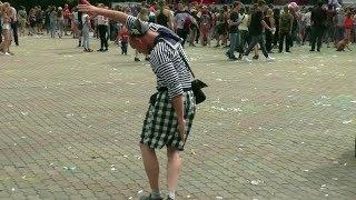 Моряки танцуют весело и зажигательно. Красноярск 2017