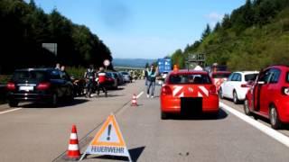 Militär-Laster fährt in Stau-Ende: 55-Jähriger stirbt