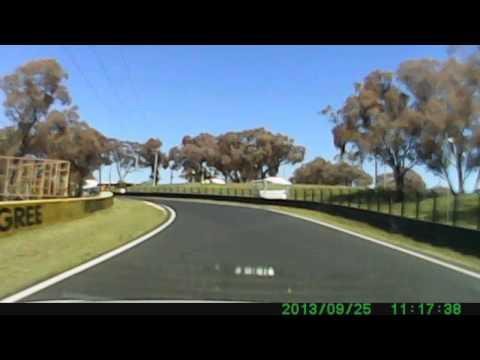Mount Panorama Bathurst - Lap around race circuit