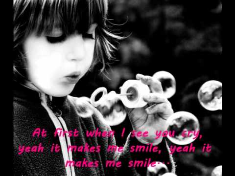 Lily Allen- Smile + Lyrics