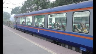 Dadar Madgaon Jan Shatabdi Express With Highly Attractive Showpiece Vistadome Coach Arriving Panvel