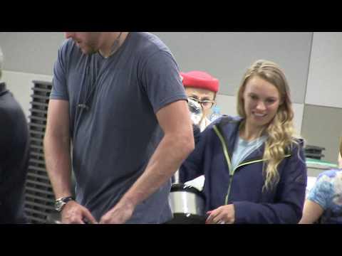 'Australian Open Champ Caroline Wozniacki gives little girl moment she'll never forget'  28/1/18