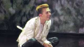 [FANCAM] G-Dragon - Missing You [G-Dragon World Tour - One Of A Kind HK 130518]