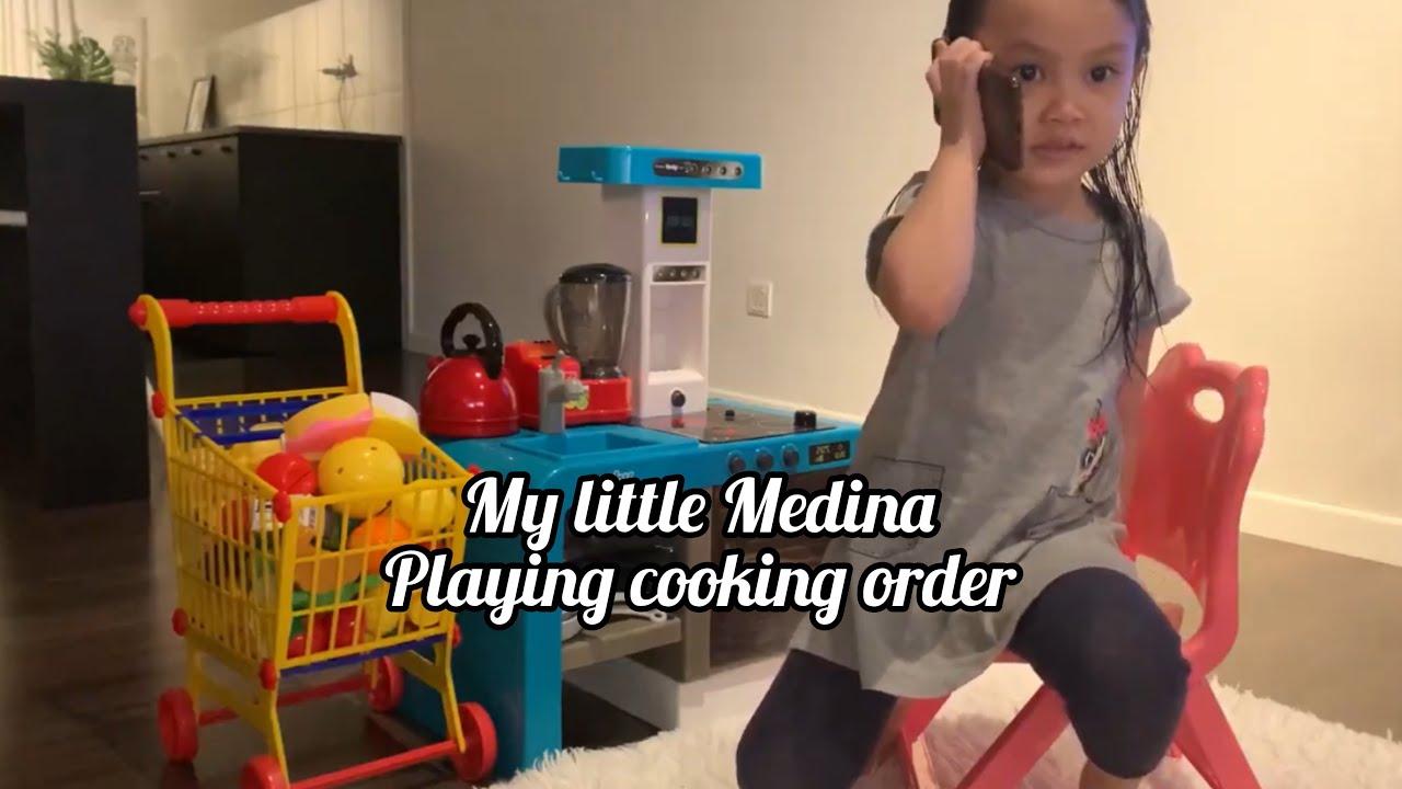 Ma little Medina playing cooking order like Nastya & Diana