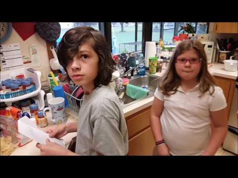 Disney Trip Surprise - Scavenger Hunt with the Kids