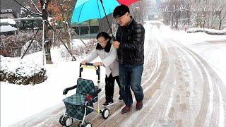 Tuyết rơi dày, 2 đứa cùng nội đến Trung Tâm. Trả lời tại sao nội lại đi đến Trung tâm 🇰🇷262