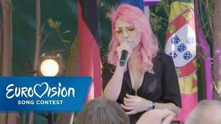 "Cláudia Pascoal singt ""O Jardim"" beim Botschaftsempfang | Eurovision Song Contest"