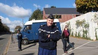 سر منع السلطات الفرنسية وقفة المغاربة أمام قصر الملك