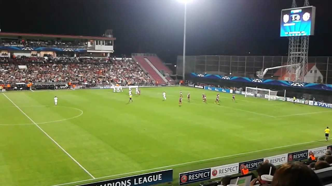 CFR Cluj - Manchester United 1-2, gol van Persie - YouTube