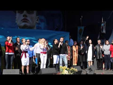 Видео: Отрывок молитвенно-песенного марафона Любовь сильнее войны