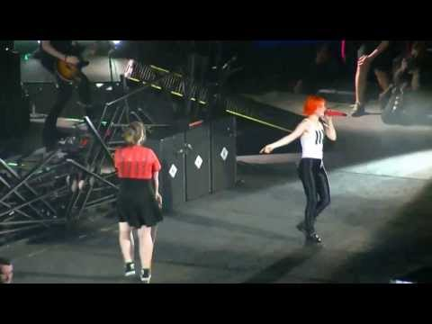 paramore @ sydney 2014 Misery Business