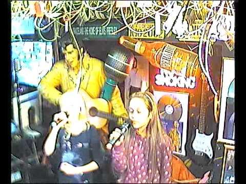 Gina & Co singen Aber bitte mit Sahne im Karaoke Fun Pub Stuttgart http://www.funpub.de