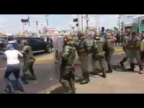 Violence in Venezuela, police attack people