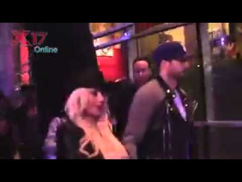 "Christina Aguilera & Matthew Rutler at Rihanna's concert ""Diamonds World Tour"""