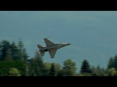 2017 Abbotsford Airshow F-16 Viper Demo