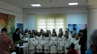 "Indonesian song ""Ampar ampar pisang""  Dragan Djedovic and Childrens choir Loznica(Serbia)"