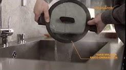 Fiskars Hard Face kattila kahdella eri kaato-ominaisuudella