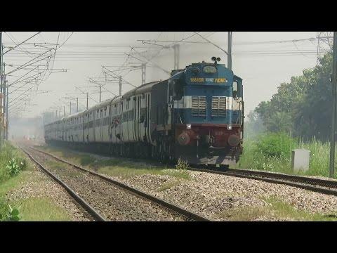 DIESEL PARADISE : MALDA's ROCKSTAR Goes Crazy with New Jalpaiguri - New Delhi Superfast Express