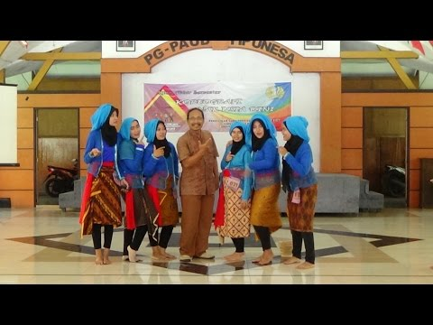 Tari Mbok Jamu Untuk Anak PGPAUD UNESA 2013