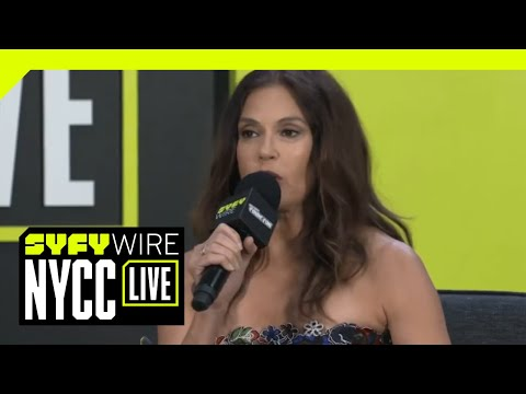 Teri Hatcher And Dean Cain talk The Power Of Lois & Clark  NYCC 2018  SYFY WIRE